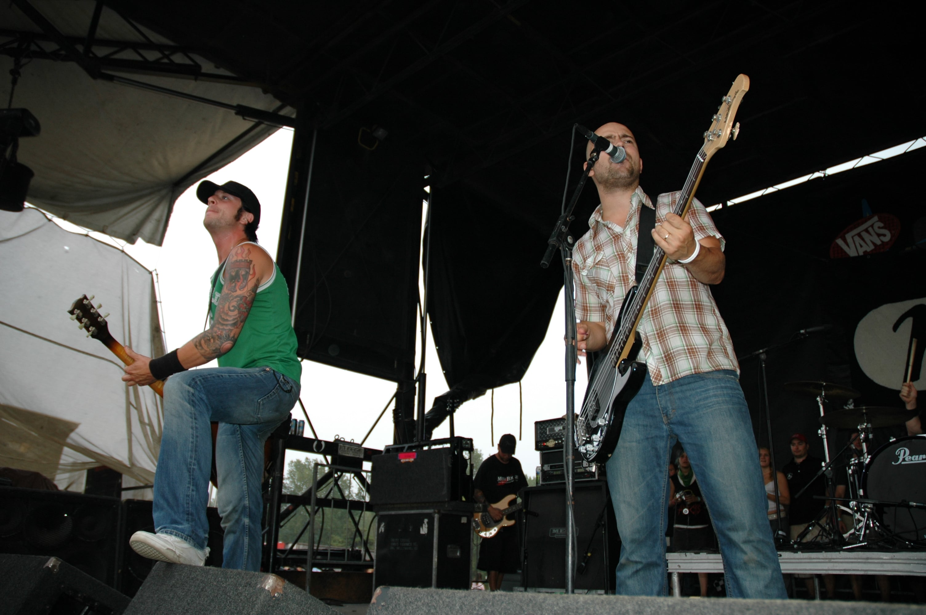 Millencolin @ Warped Tour 05, NYC - 8.12.05 (2)