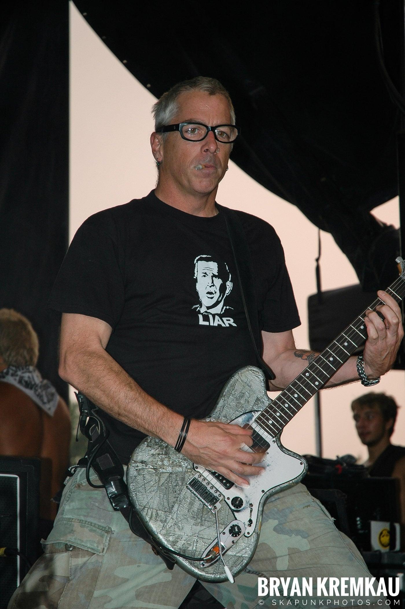 The Offspring @ Warped Tour 05, NYC - 8.12.05 (18)
