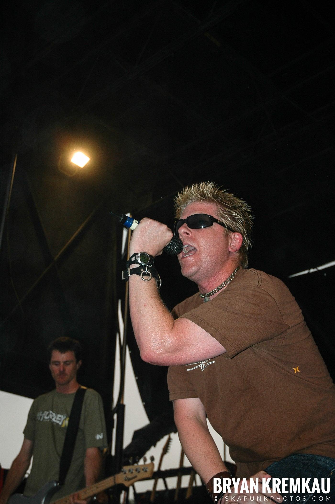 The Offspring @ Warped Tour 05, NYC - 8.12.05 (14)