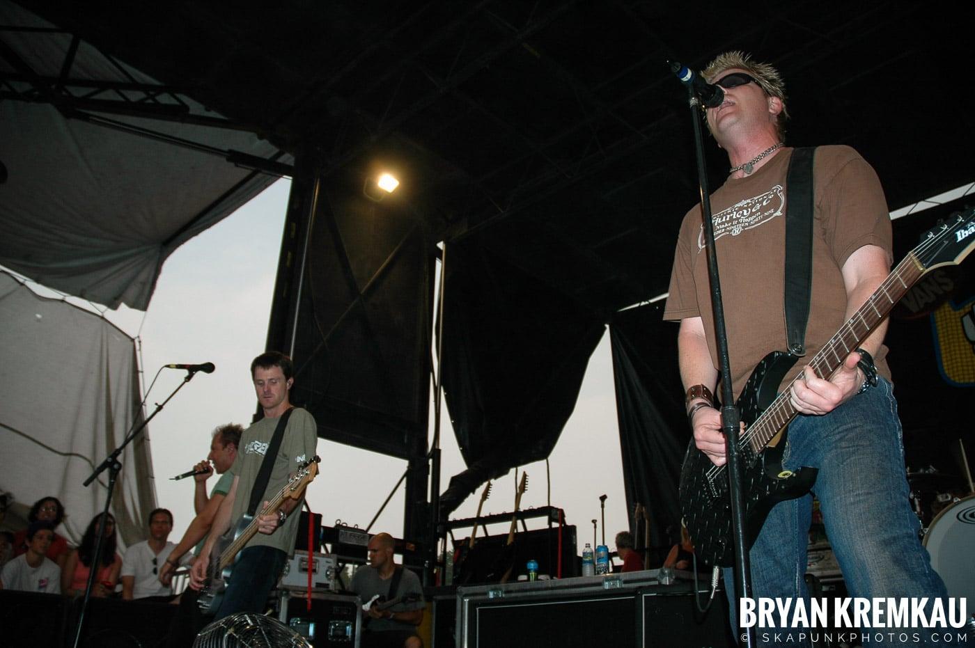 The Offspring @ Warped Tour 05, NYC - 8.12.05 (12)