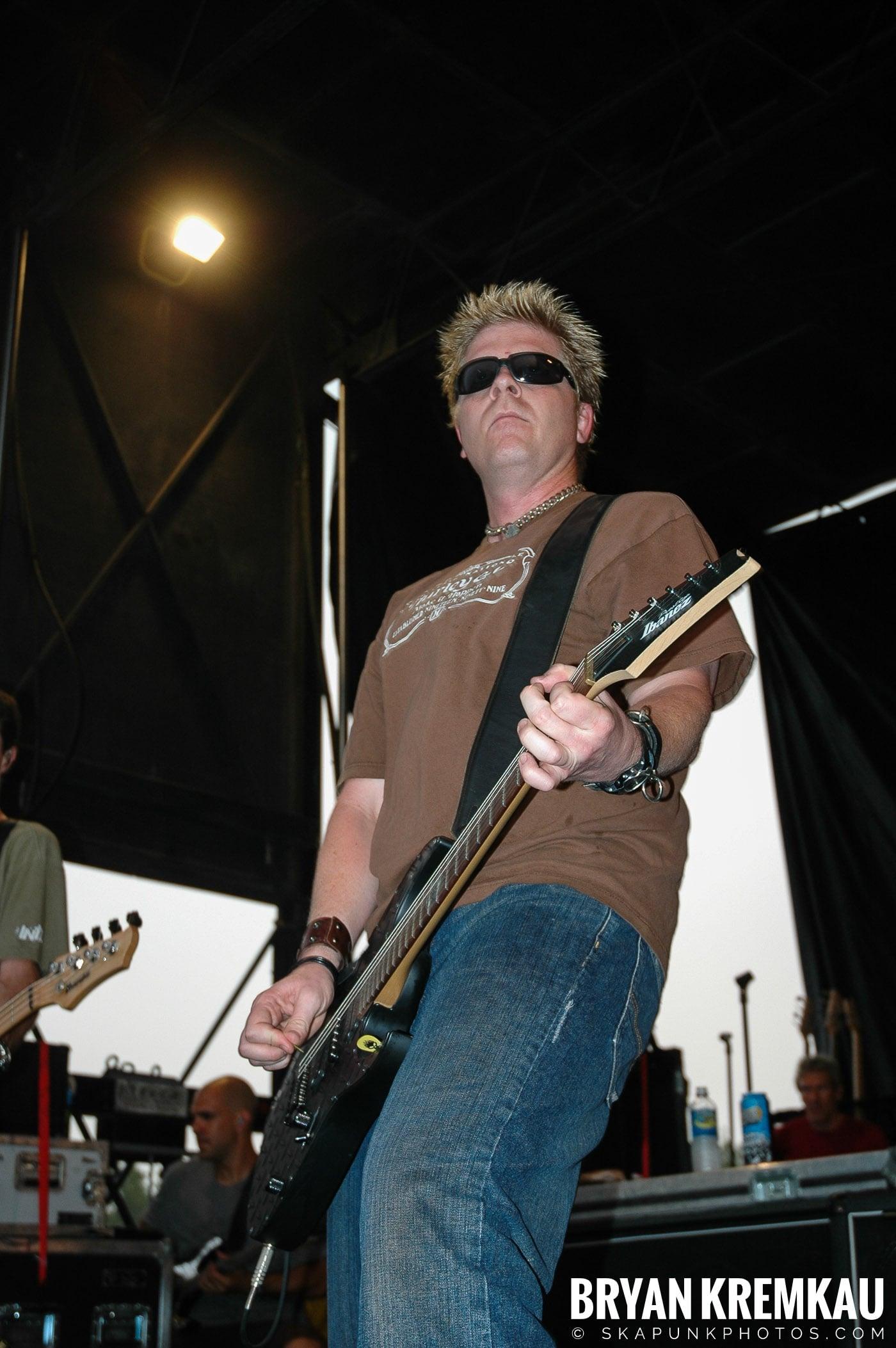The Offspring @ Warped Tour 05, NYC - 8.12.05 (10)