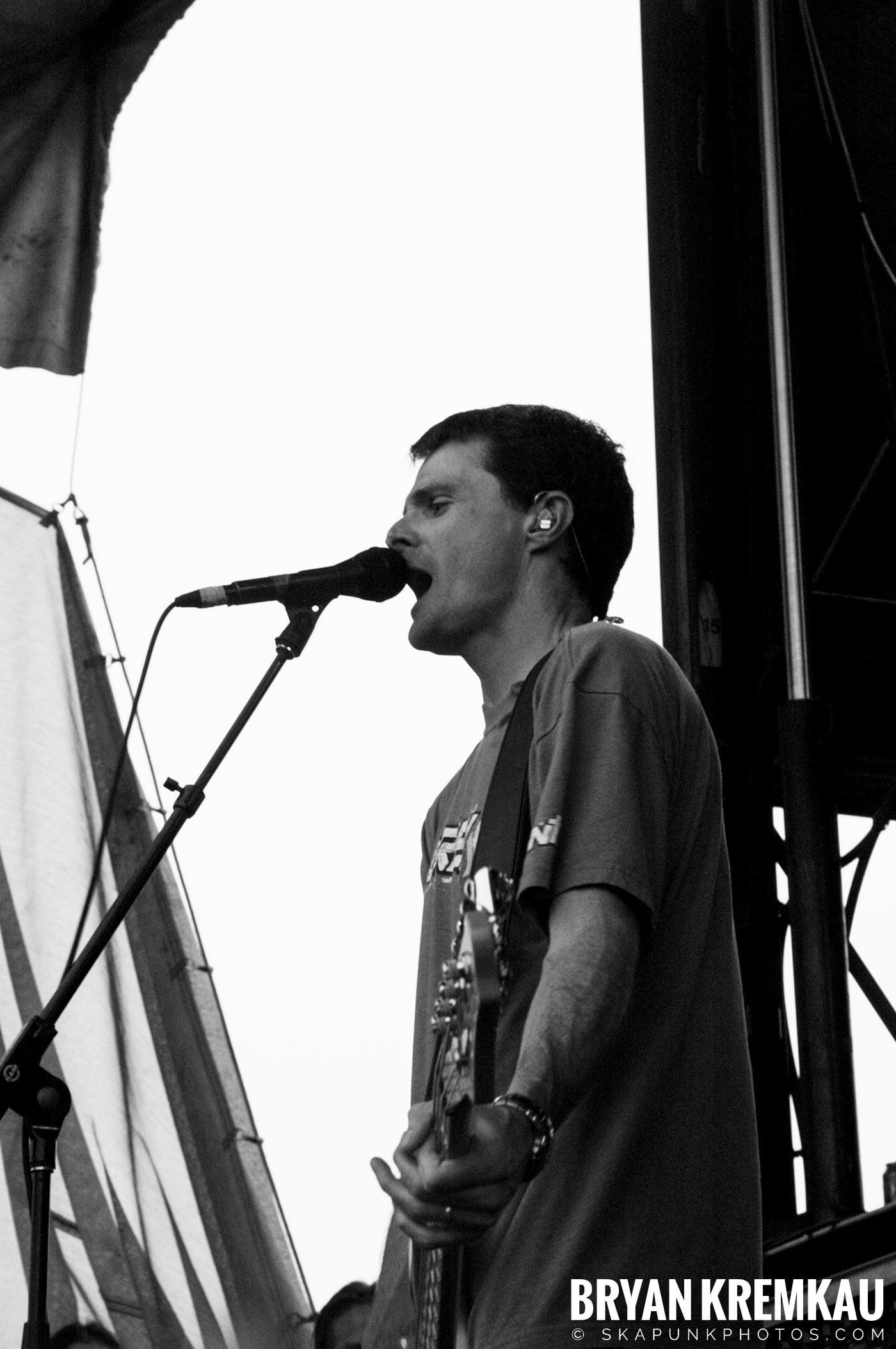The Offspring @ Warped Tour 05, NYC - 8.12.05 (8)