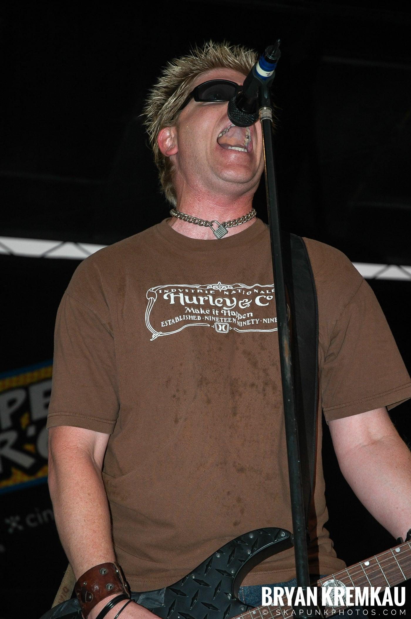 The Offspring @ Warped Tour 05, NYC - 8.12.05 (5)