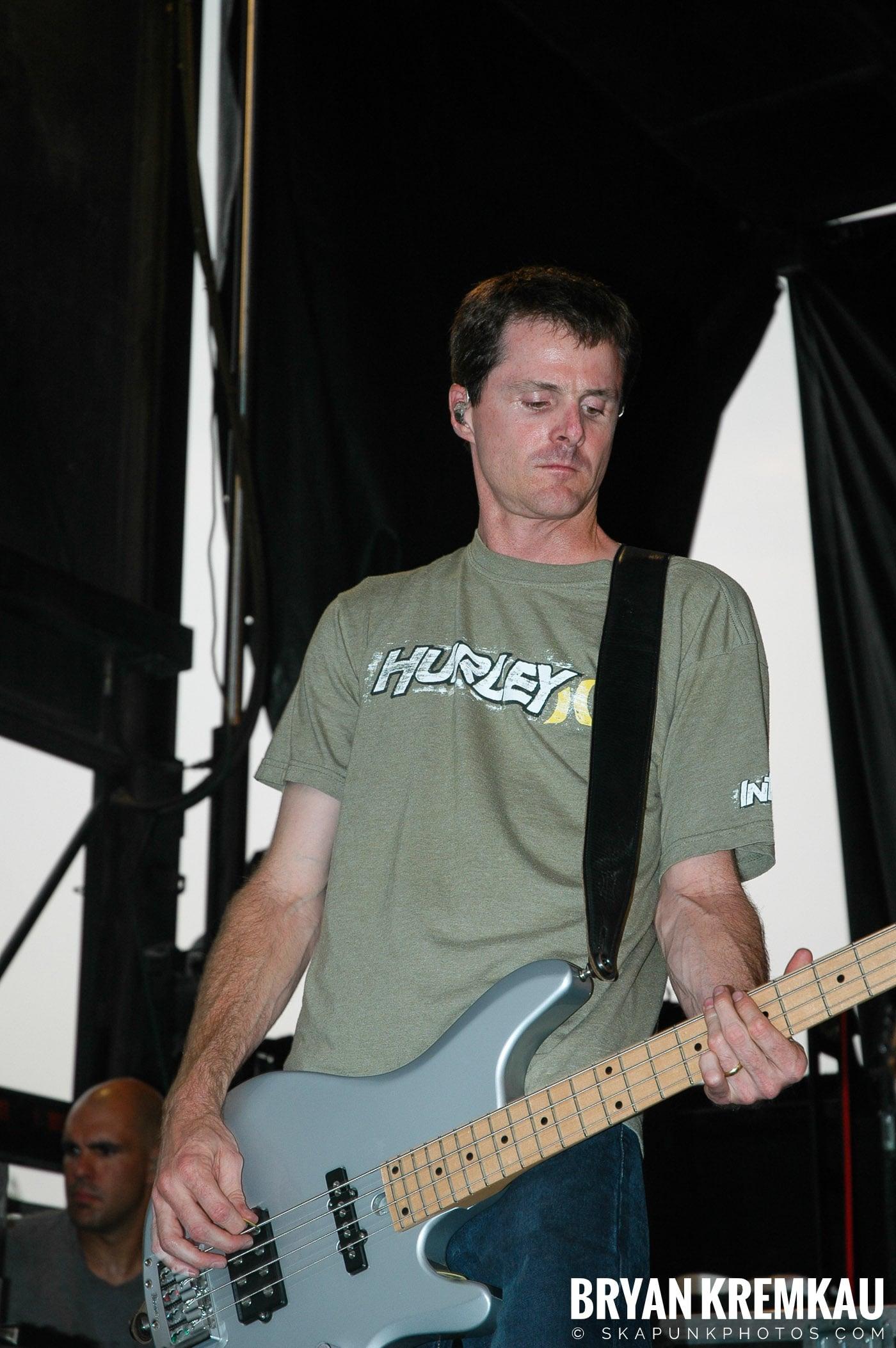 The Offspring @ Warped Tour 05, NYC - 8.12.05 (4)