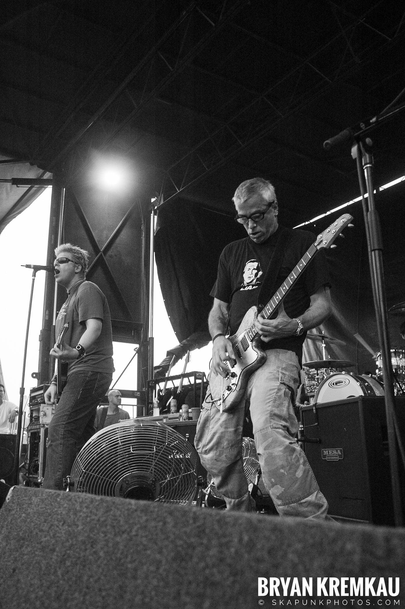 The Offspring @ Warped Tour 05, NYC - 8.12.05 (1)