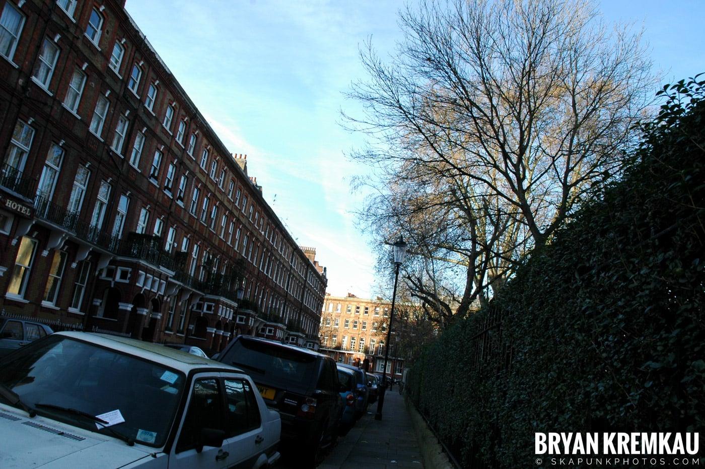 London, England - Day 2 - 12.17.05 (23)