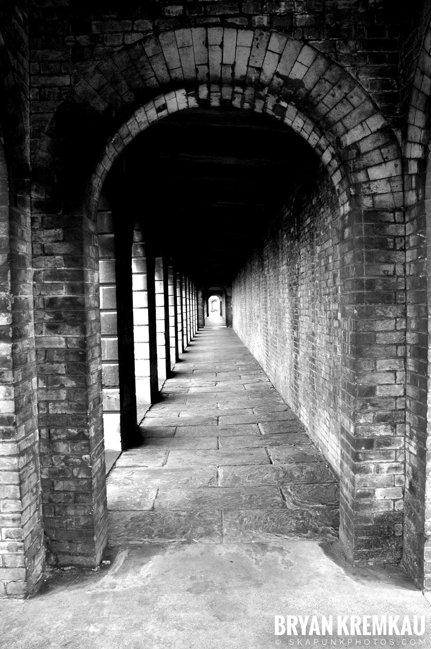 London, England - Day 2 - 12.17.05 (12)
