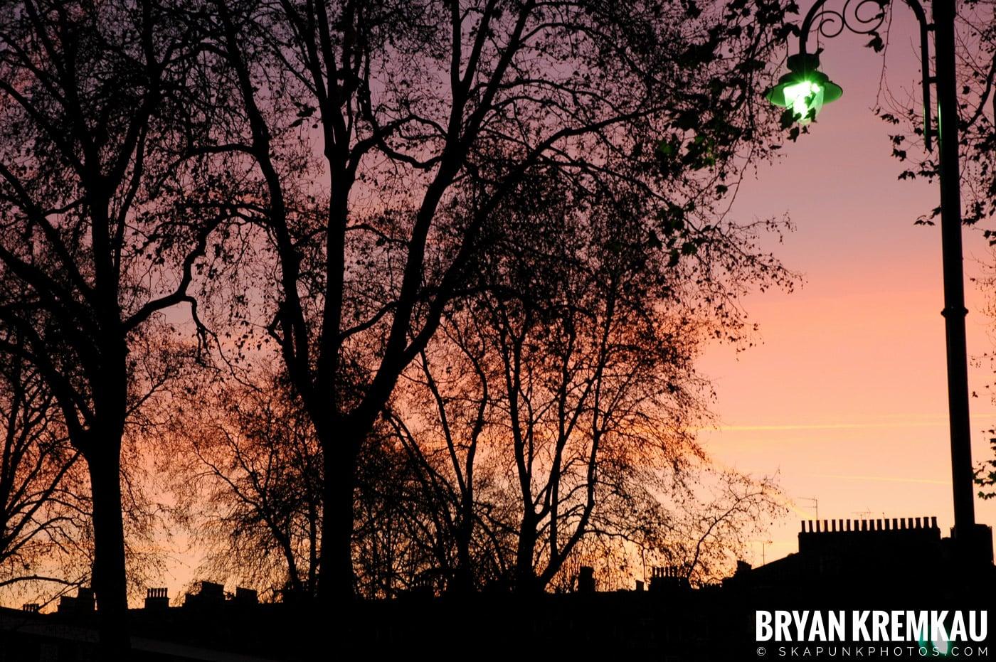 London, England - Day 2 - 12.17.05 (1)