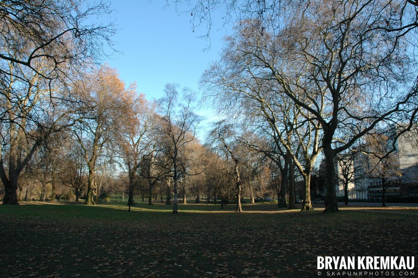 London, England - Day 3 - 12.18.05 (35)