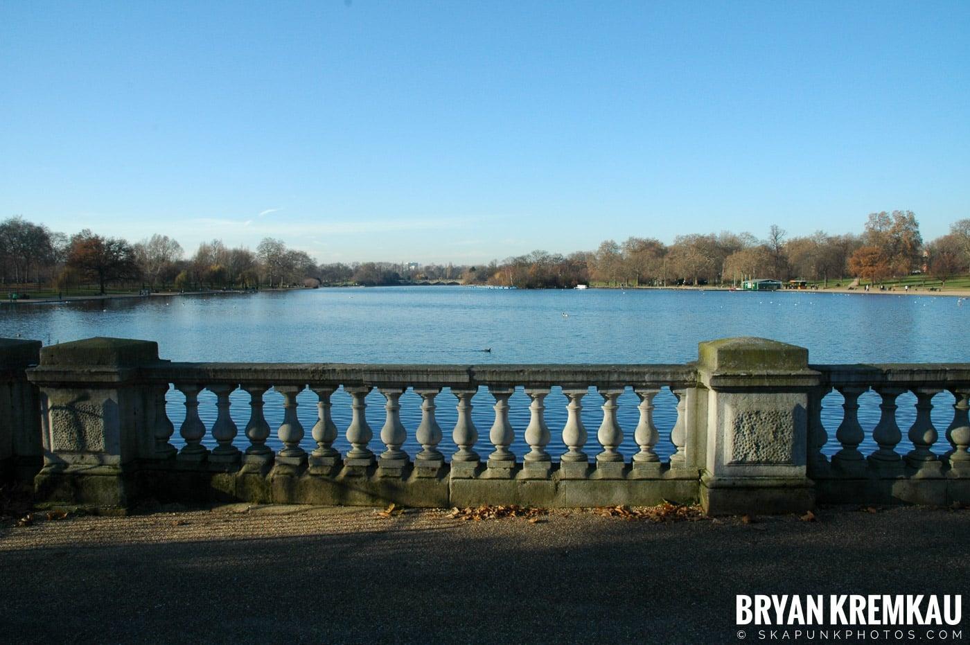 London, England - Day 3 - 12.18.05 (34)