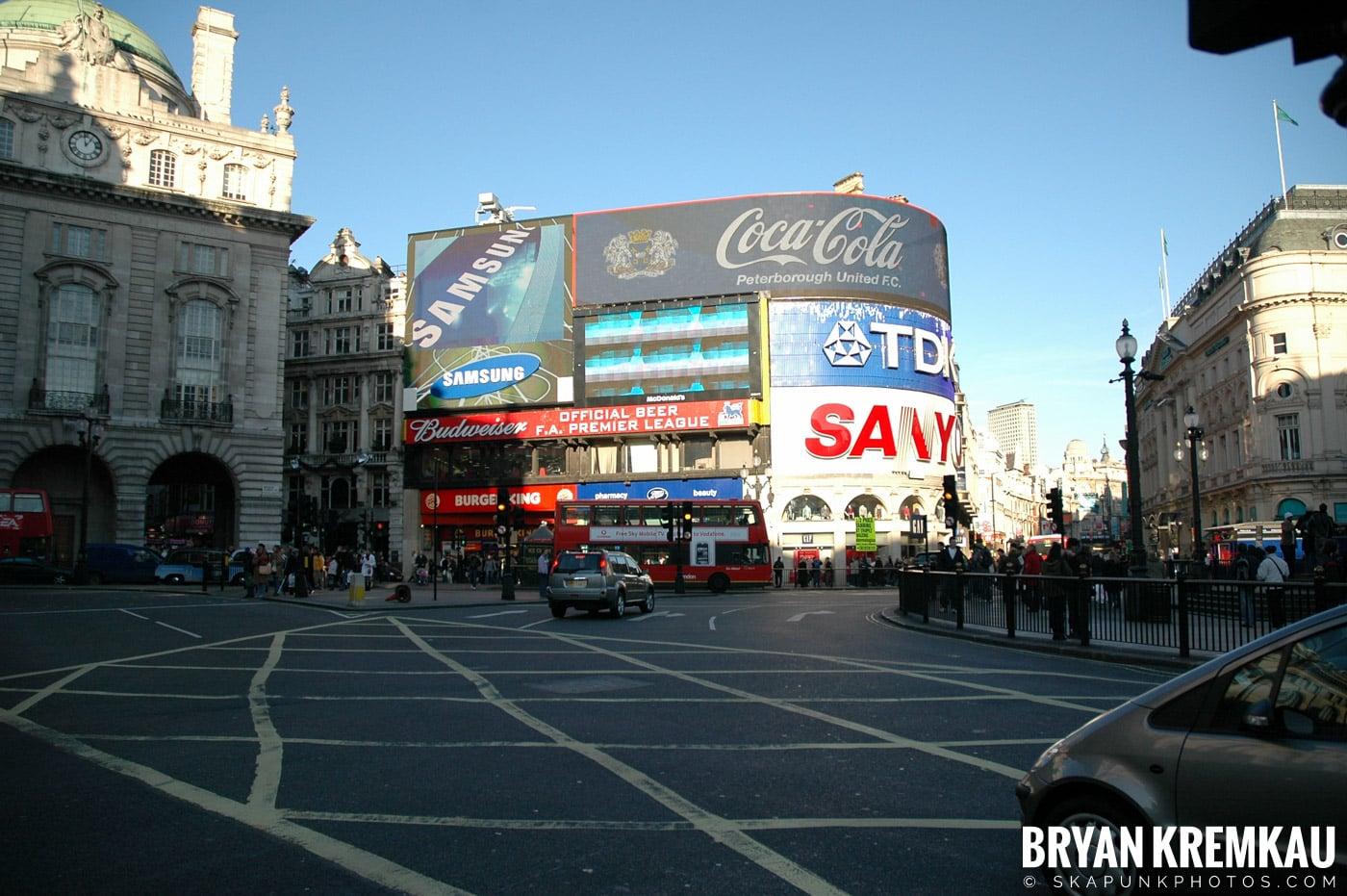 London, England - Day 3 - 12.18.05 (27)