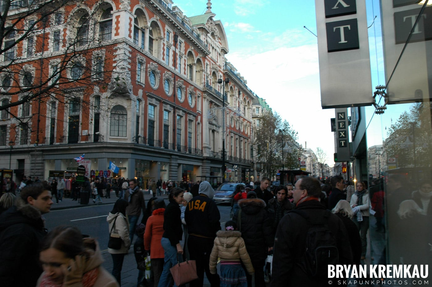 London, England - Day 3 - 12.18.05 (24)