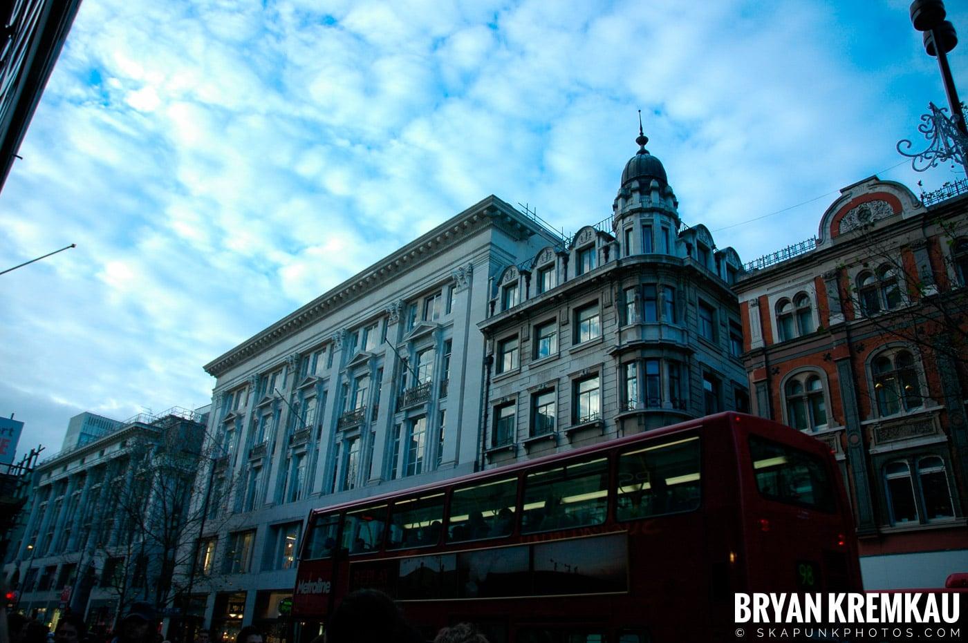 London, England - Day 3 - 12.18.05 (22)
