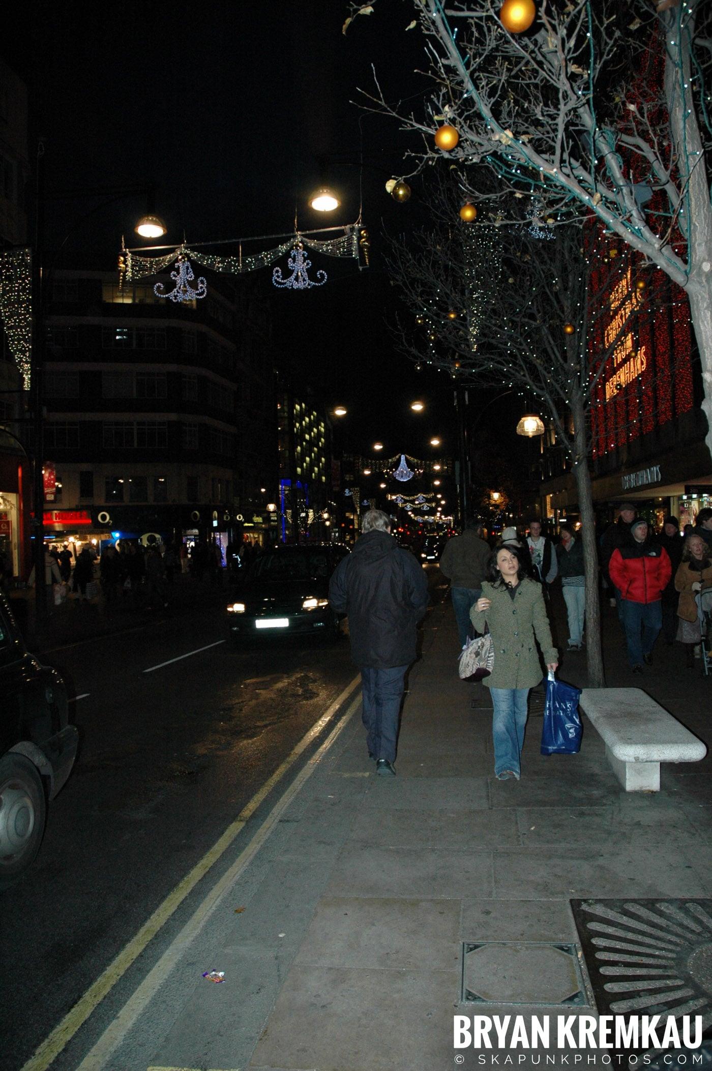 London, England - Day 3 - 12.18.05 (17)