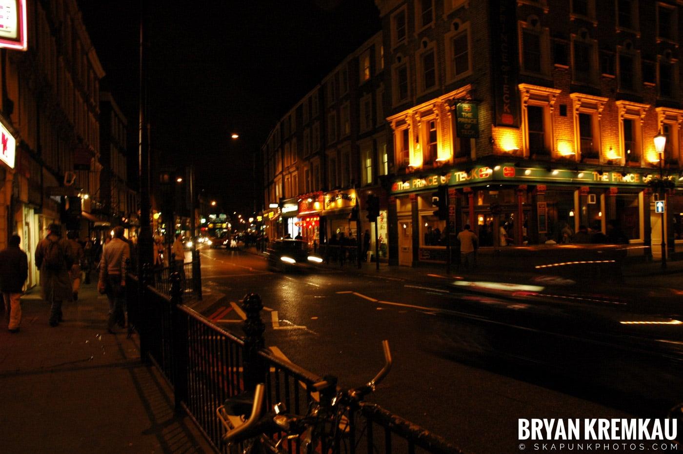 London, England - Day 3 - 12.18.05 (11)