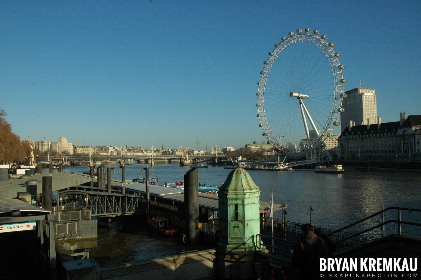 London, England - Day 4 - 12.19.05 (46)