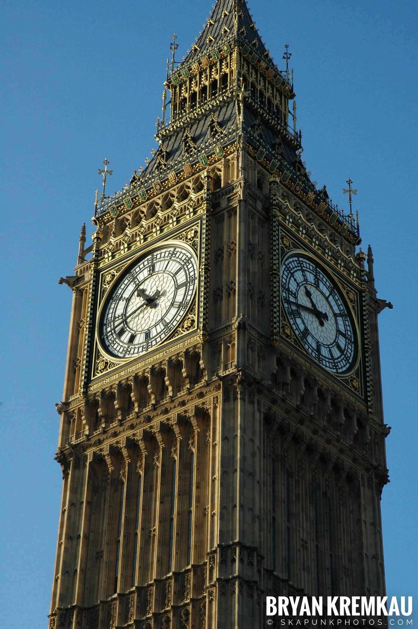 London, England - Day 4 - 12.19.05 (45)