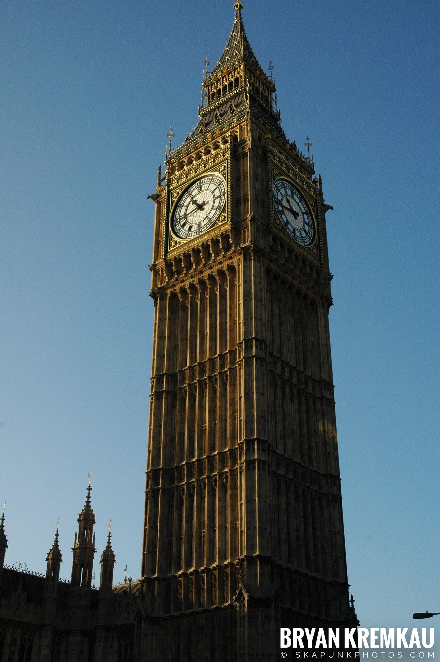 London, England - Day 4 - 12.19.05 (43)