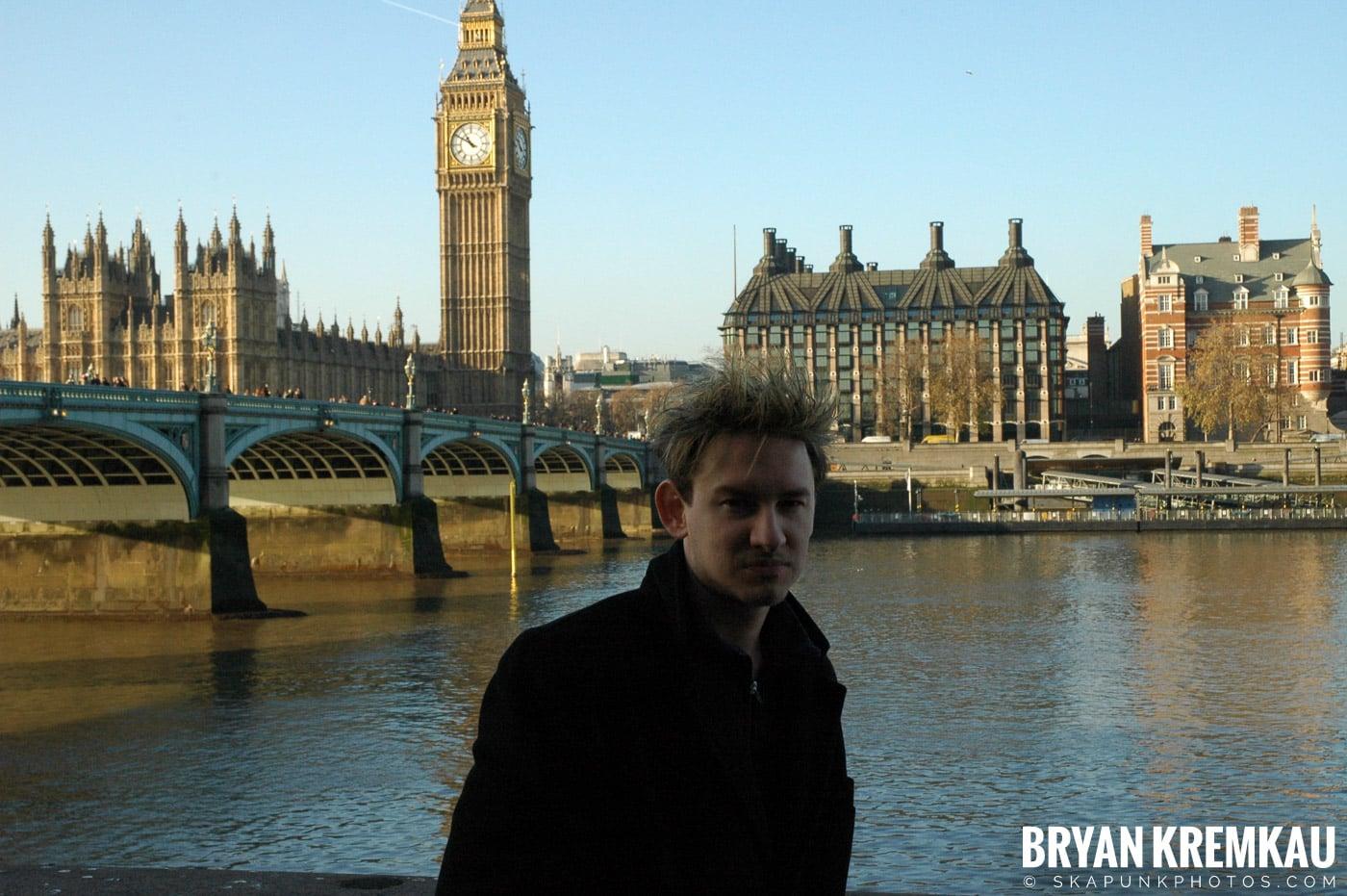 London, England - Day 4 - 12.19.05 (39)