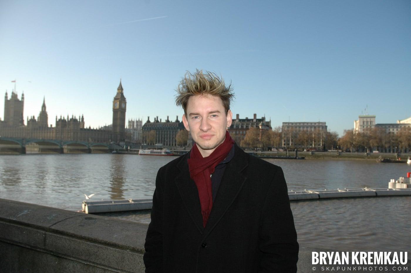 London, England - Day 4 - 12.19.05 (27)