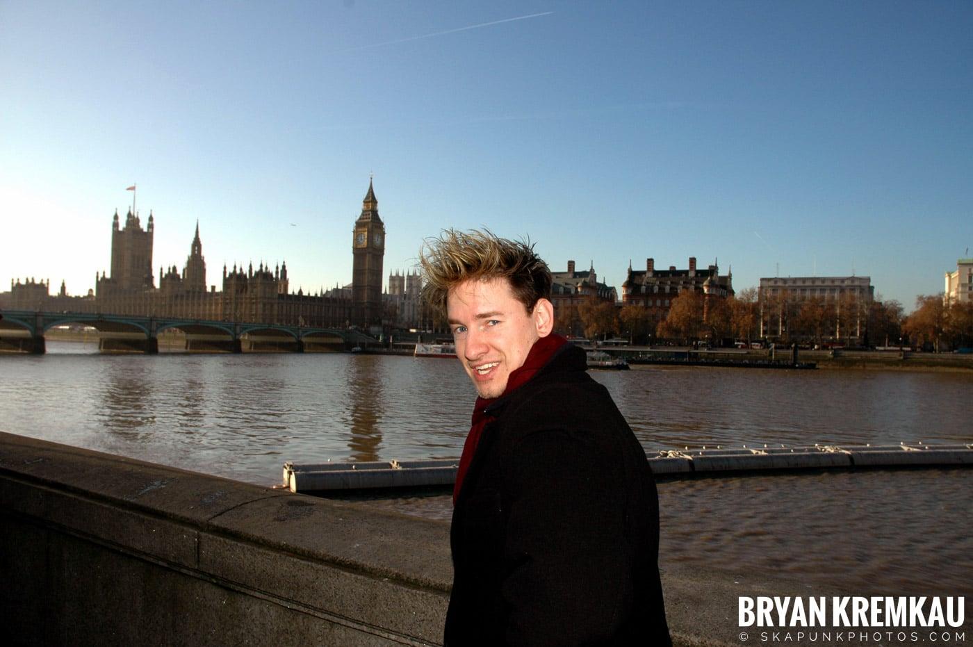 London, England - Day 4 - 12.19.05 (26)