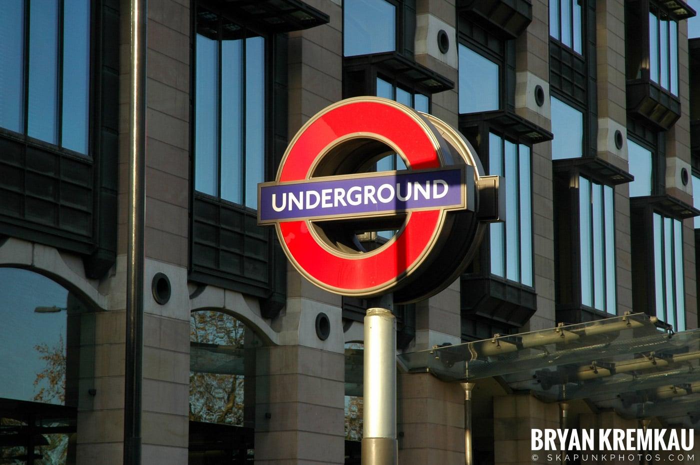 London, England - Day 4 - 12.19.05 (25)