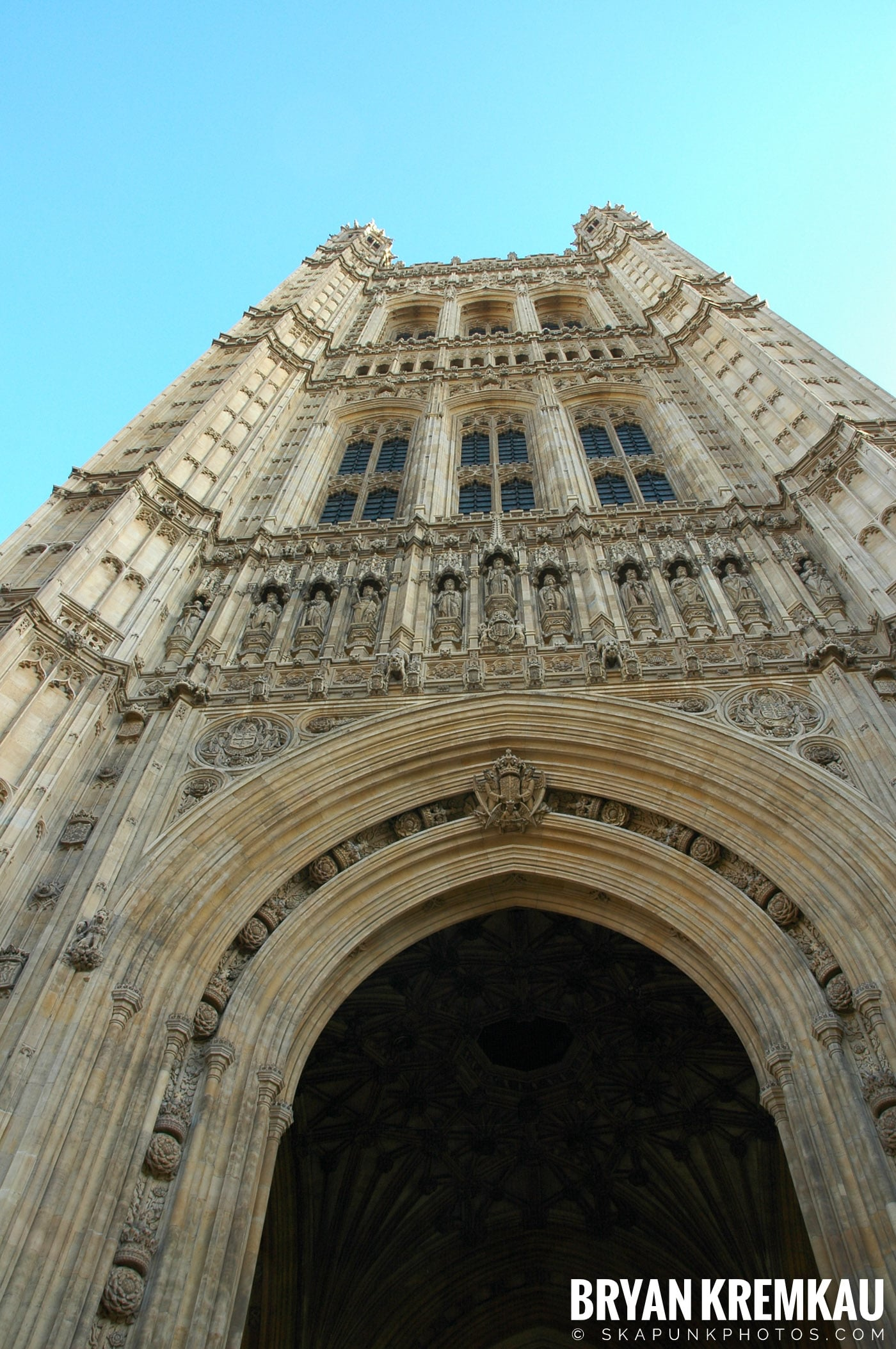 London, England - Day 4 - 12.19.05 (23)