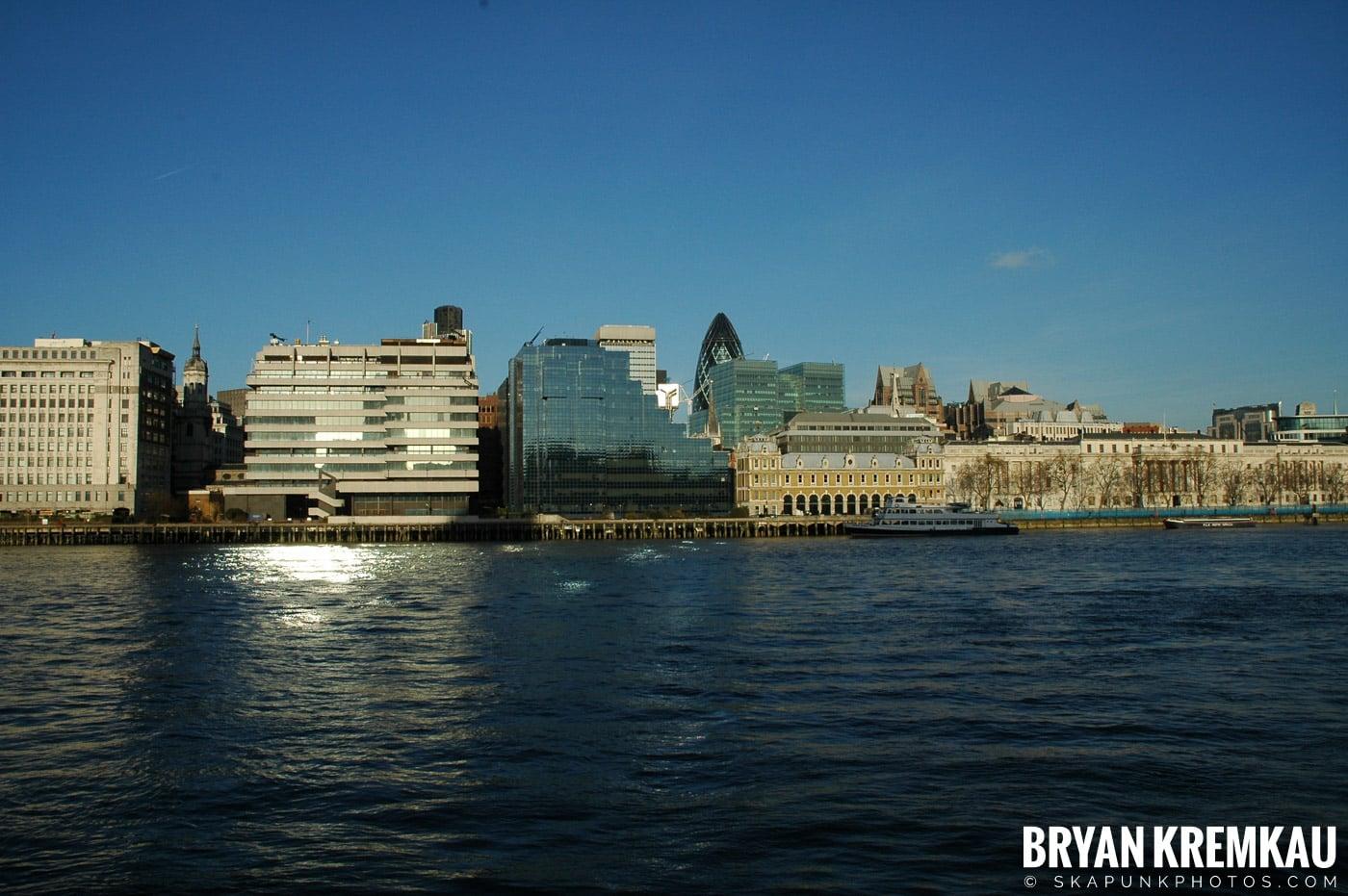 London, England - Day 4 - 12.19.05 (20)