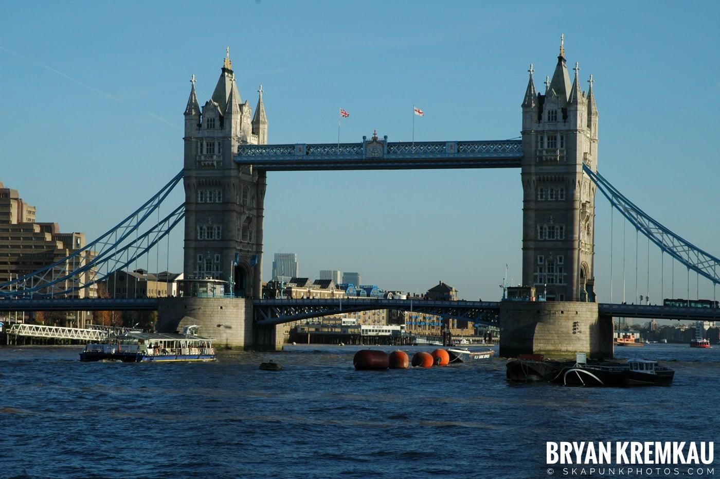 London, England - Day 4 - 12.19.05 (19)