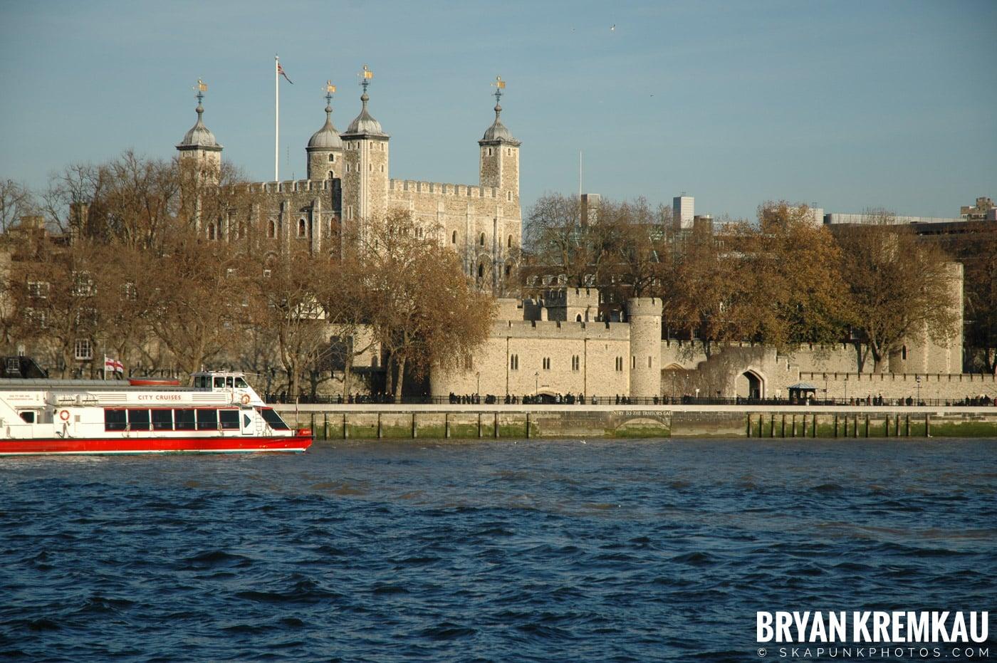 London, England - Day 4 - 12.19.05 (16)