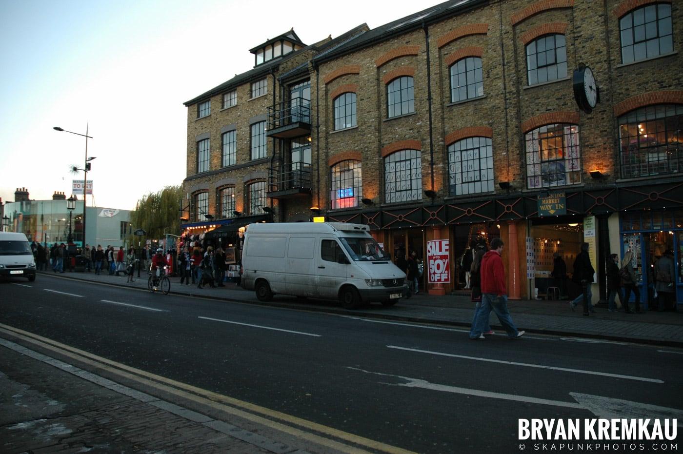 London, England - Day 4 - 12.19.05 (8)