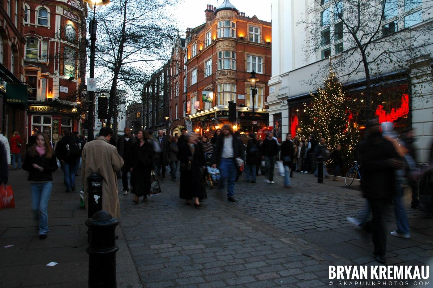 London, England - Day 4 - 12.19.05 (5)