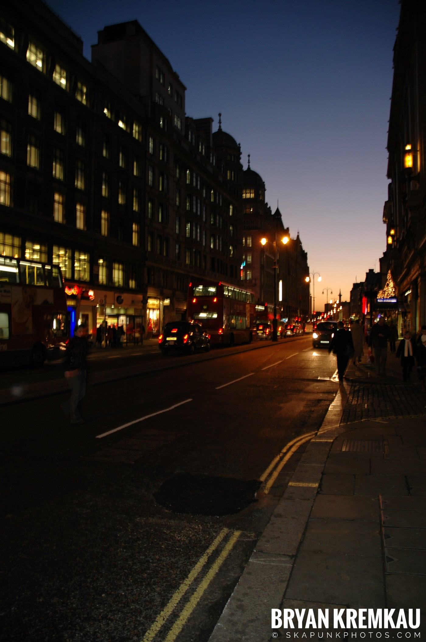 London, England - Day 4 - 12.19.05 (3)