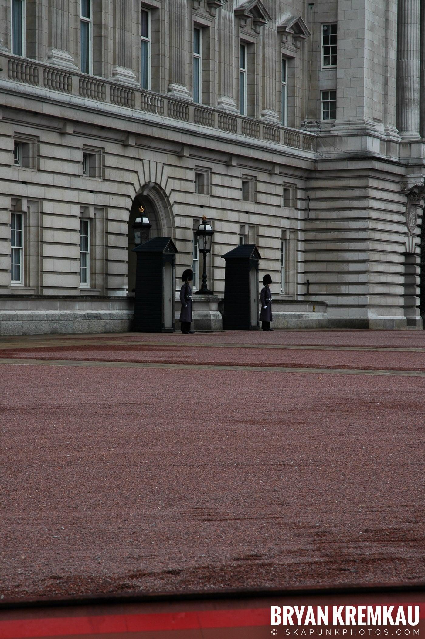 London, England - Day 5 - 12.20.05 (15)