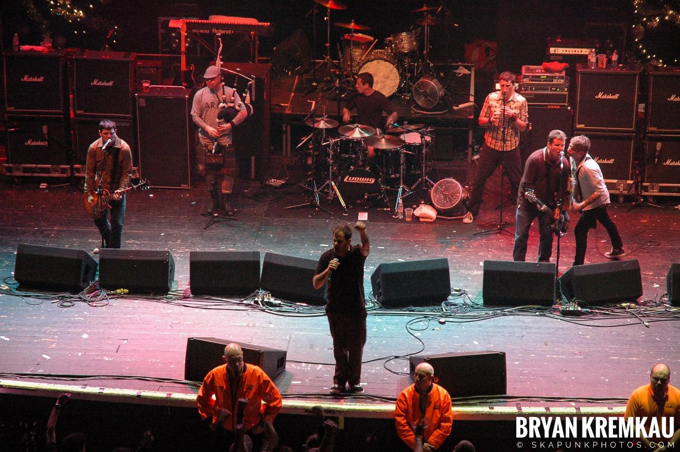Dropkick Murphys @ Brixton Academy, London UK - 12.19.05 (4)