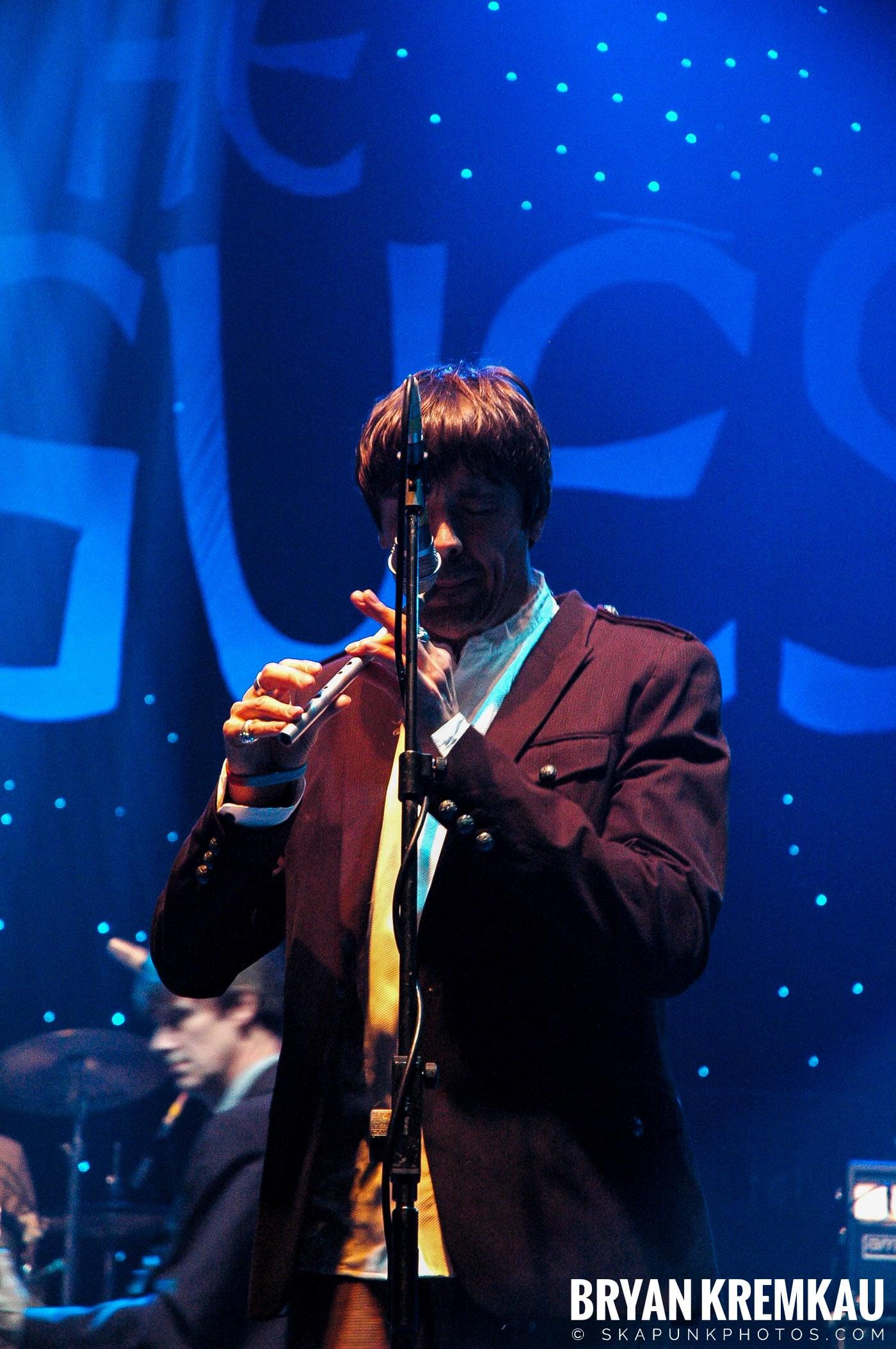 The Pogues @ Brixton Academy, London UK - 12.19.05 (30)