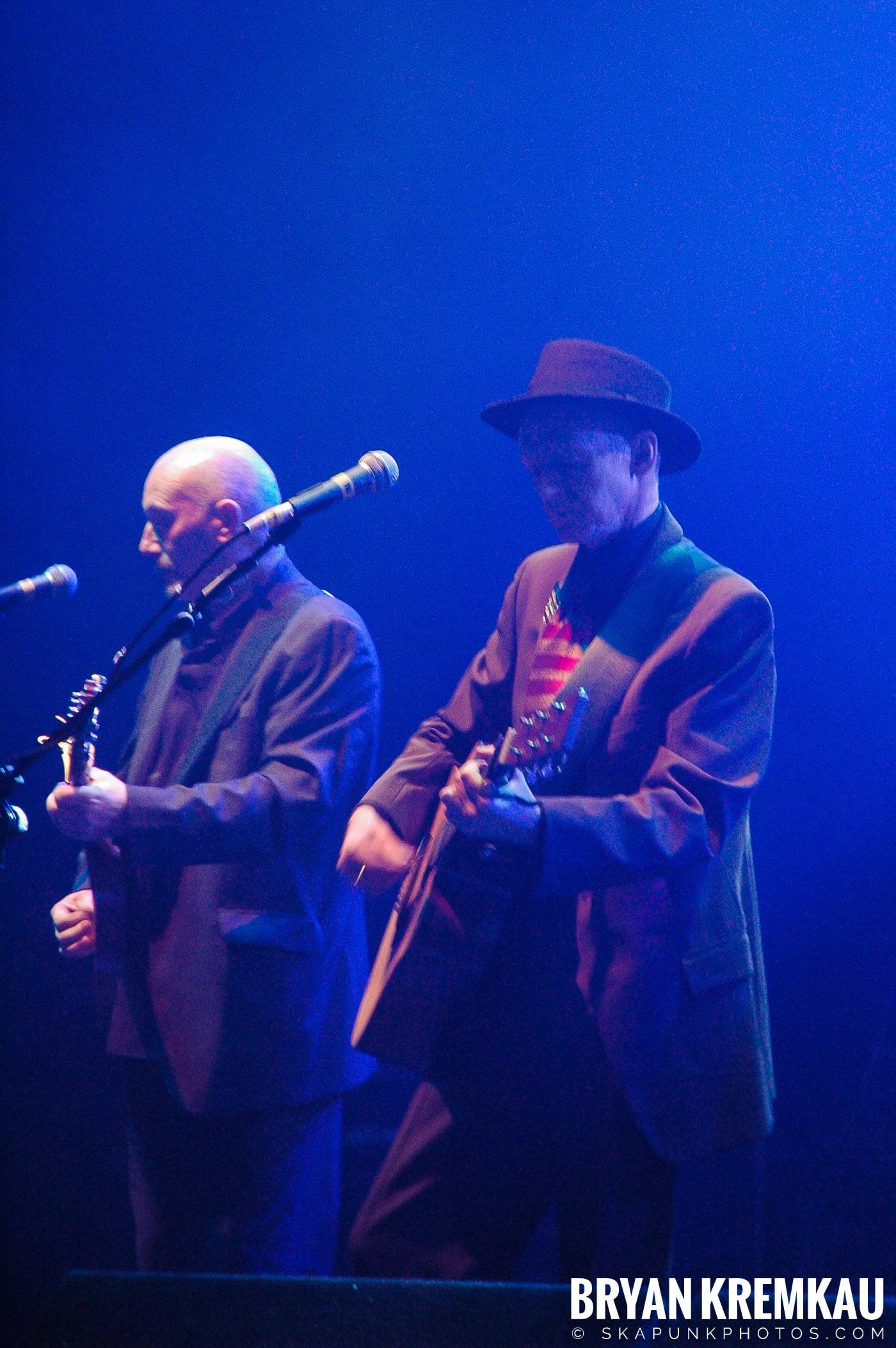 The Pogues @ Brixton Academy, London UK - 12.19.05 (28)