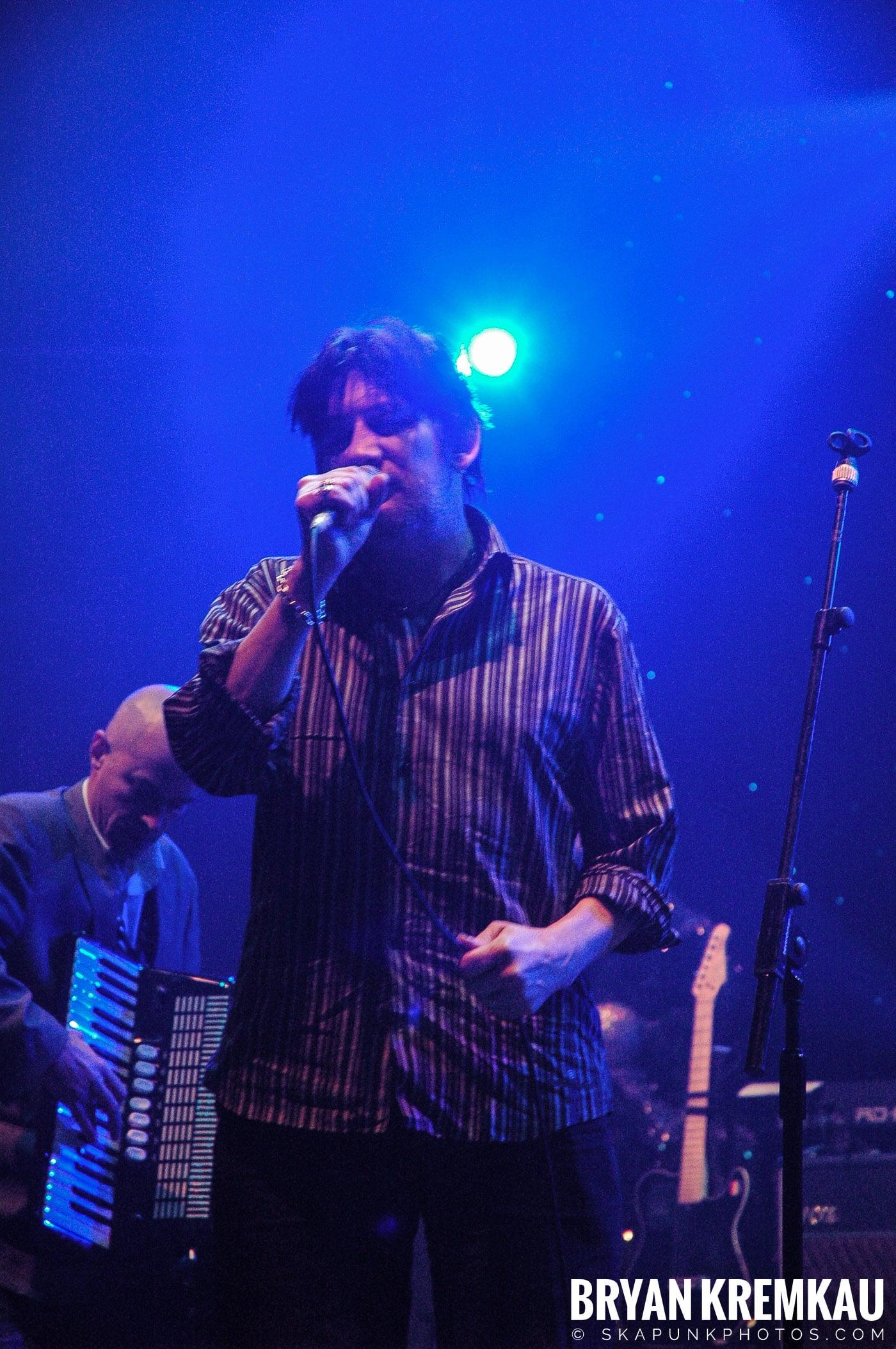 The Pogues @ Brixton Academy, London UK - 12.19.05 (27)