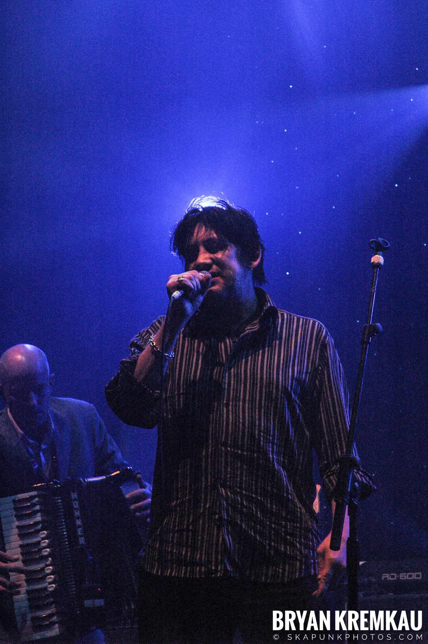 The Pogues @ Brixton Academy, London UK - 12.19.05 (24)