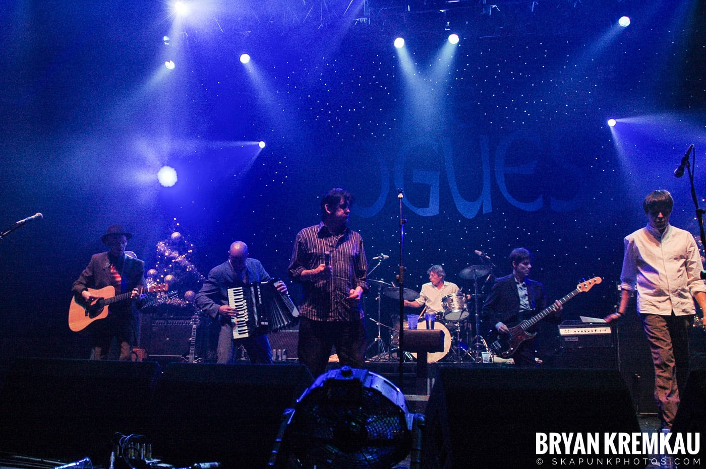 The Pogues @ Brixton Academy, London UK - 12.19.05 (22)