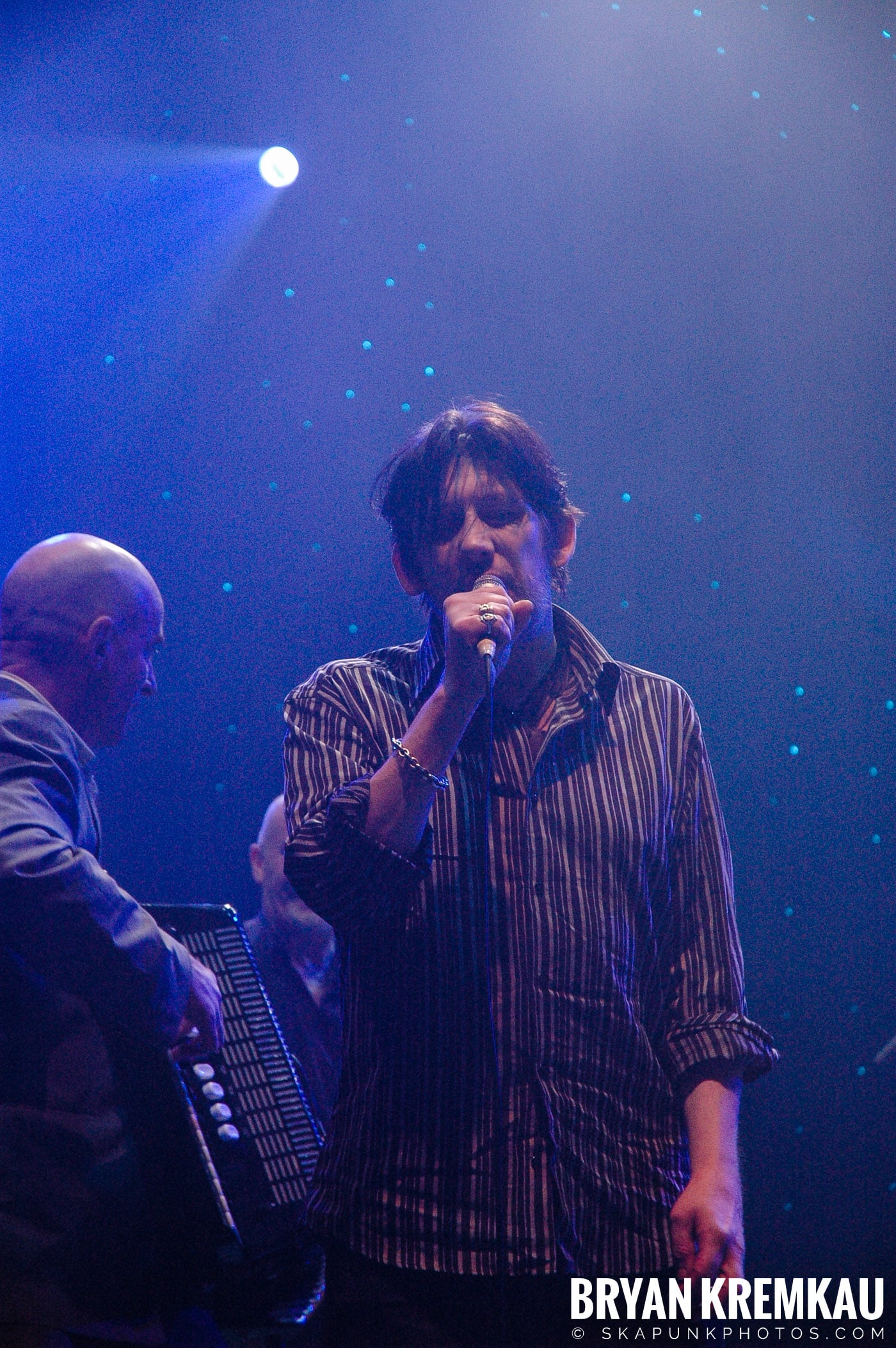 The Pogues @ Brixton Academy, London UK - 12.19.05 (21)