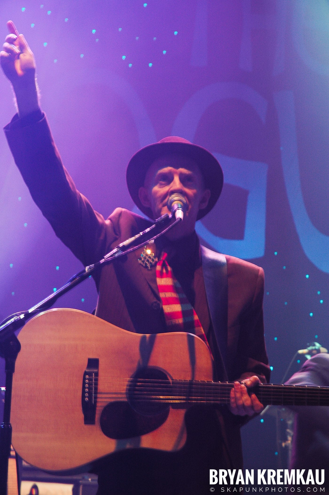 The Pogues @ Brixton Academy, London UK - 12.19.05 (16)