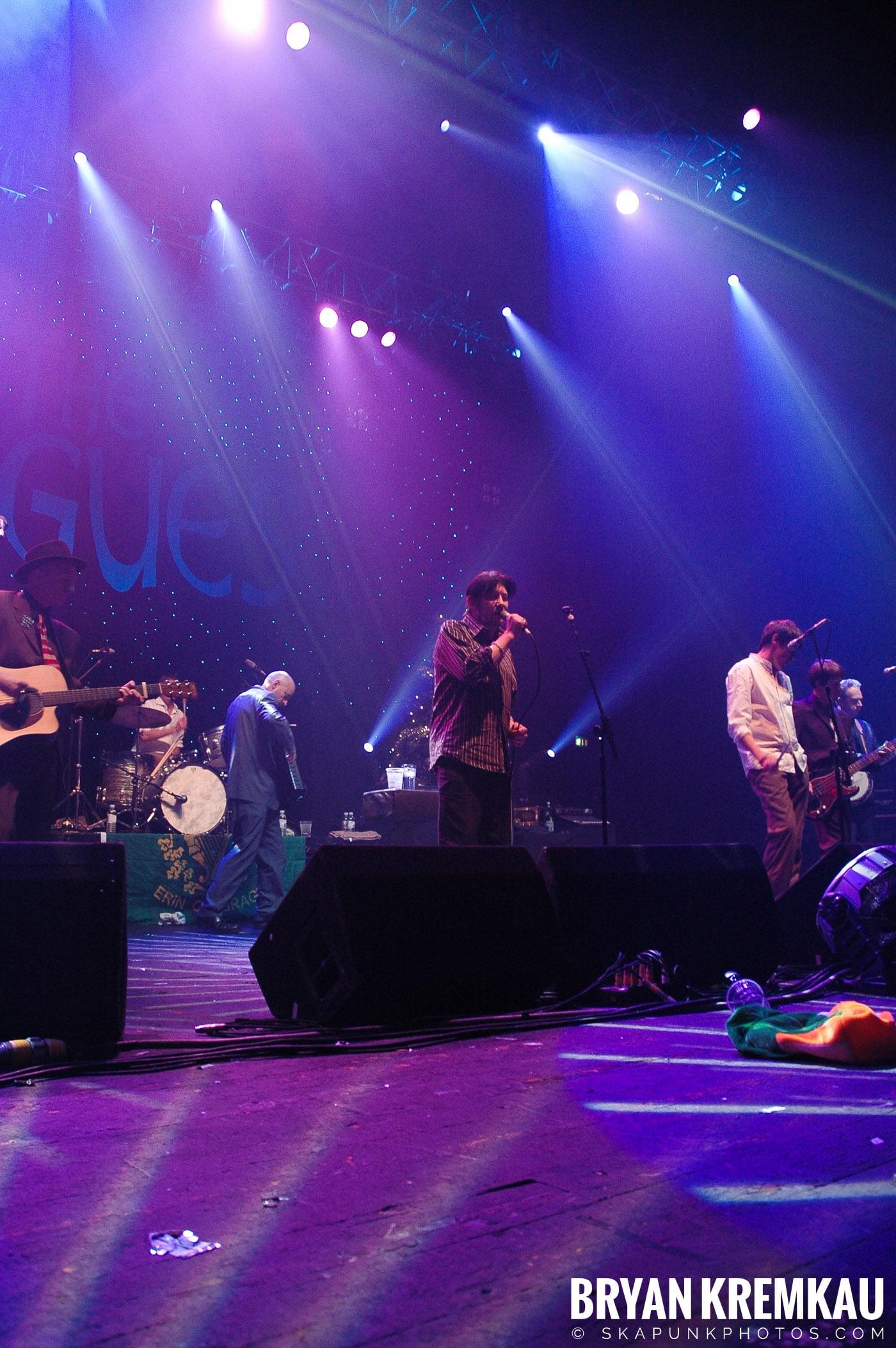The Pogues @ Brixton Academy, London UK - 12.19.05 (14)