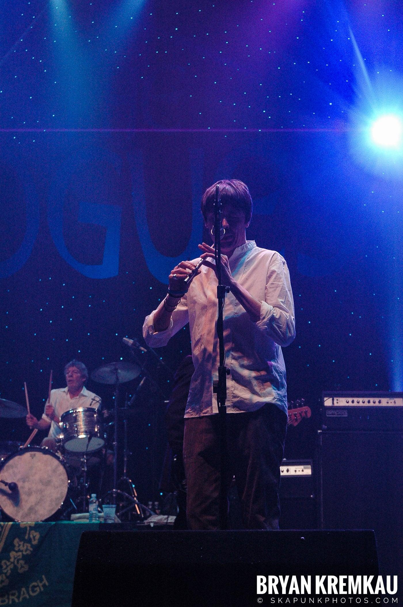 The Pogues @ Brixton Academy, London UK - 12.19.05 (9)
