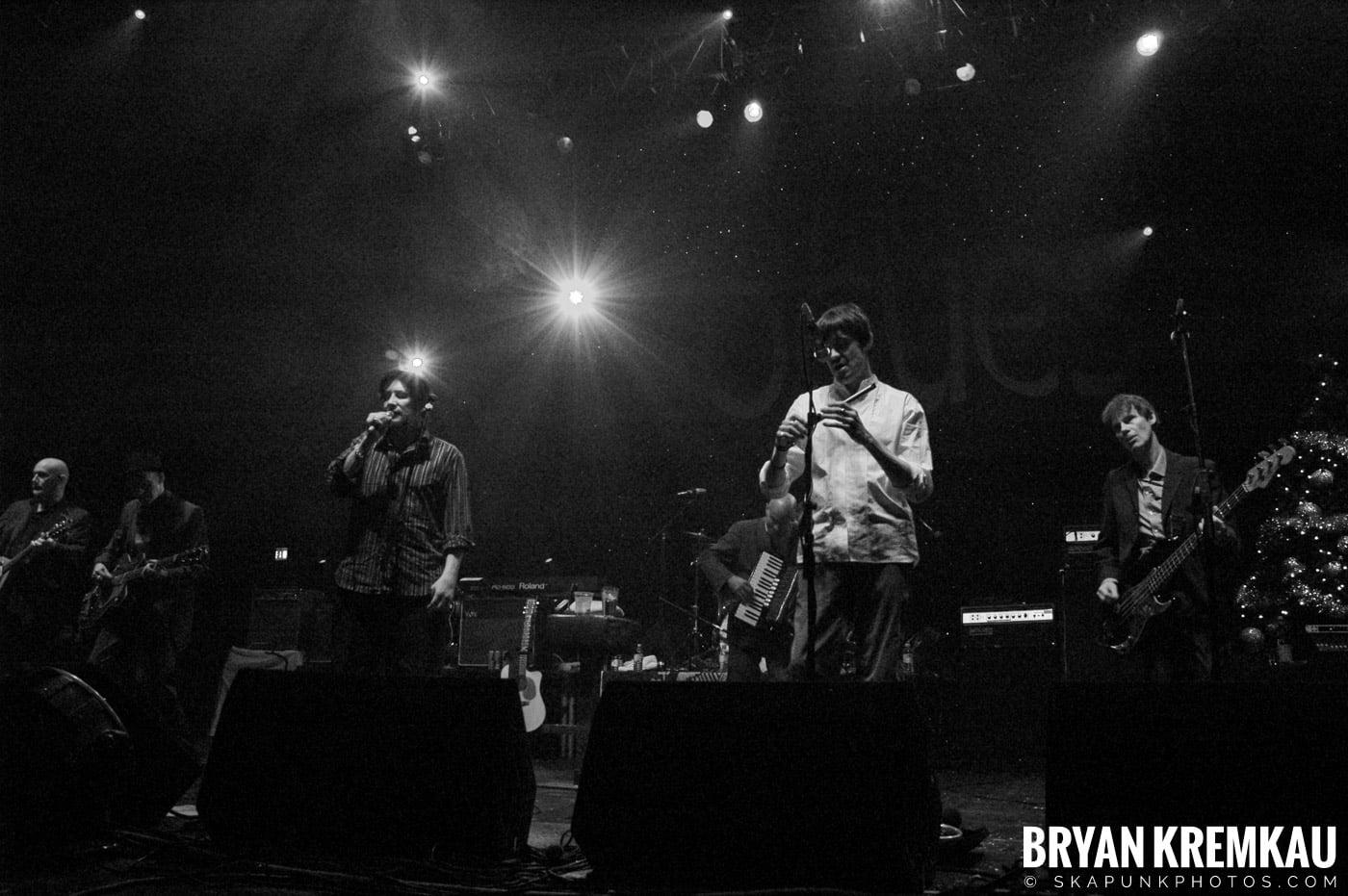 The Pogues @ Brixton Academy, London UK - 12.19.05 (8)