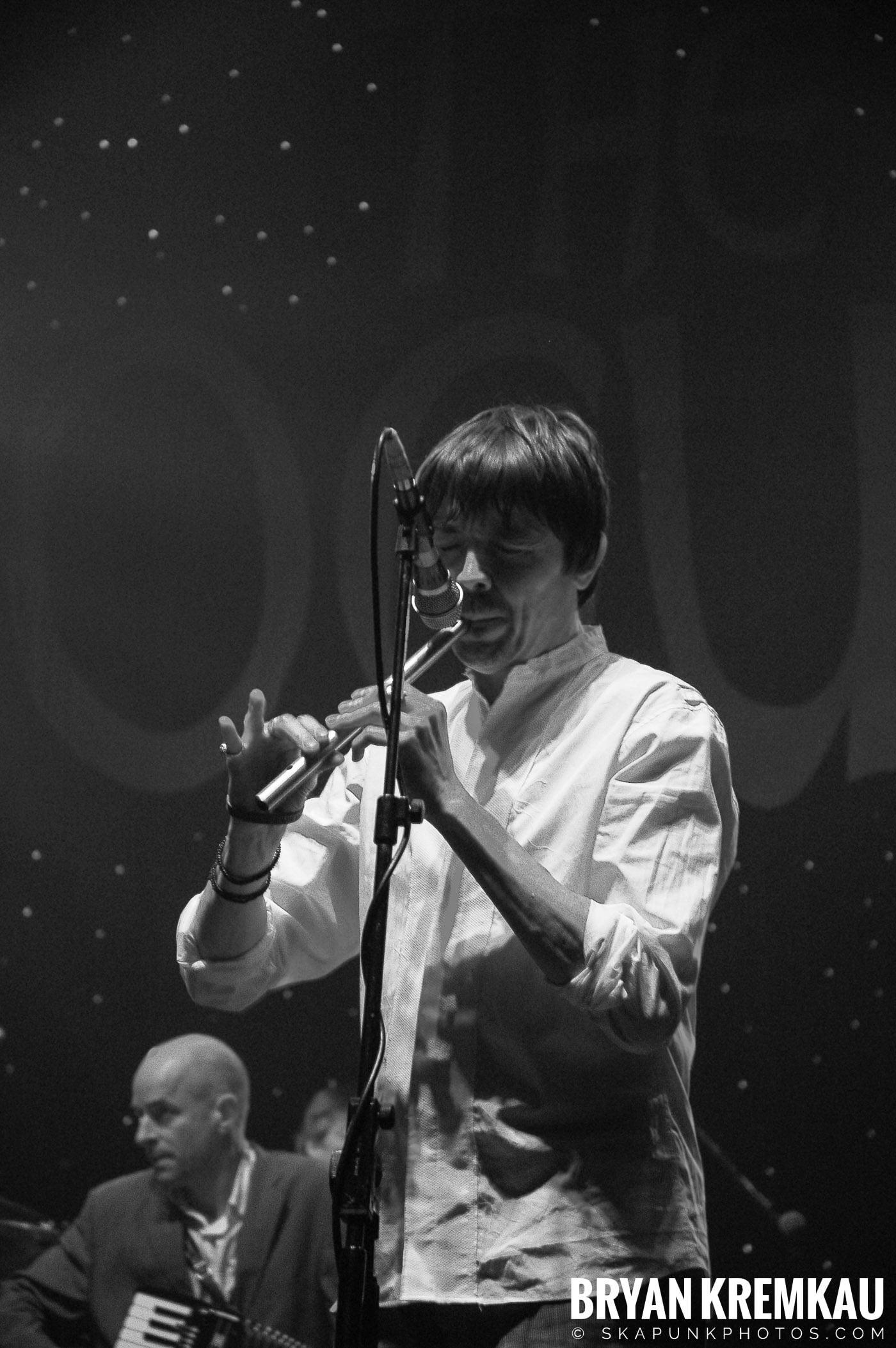 The Pogues @ Brixton Academy, London UK - 12.19.05 (7)