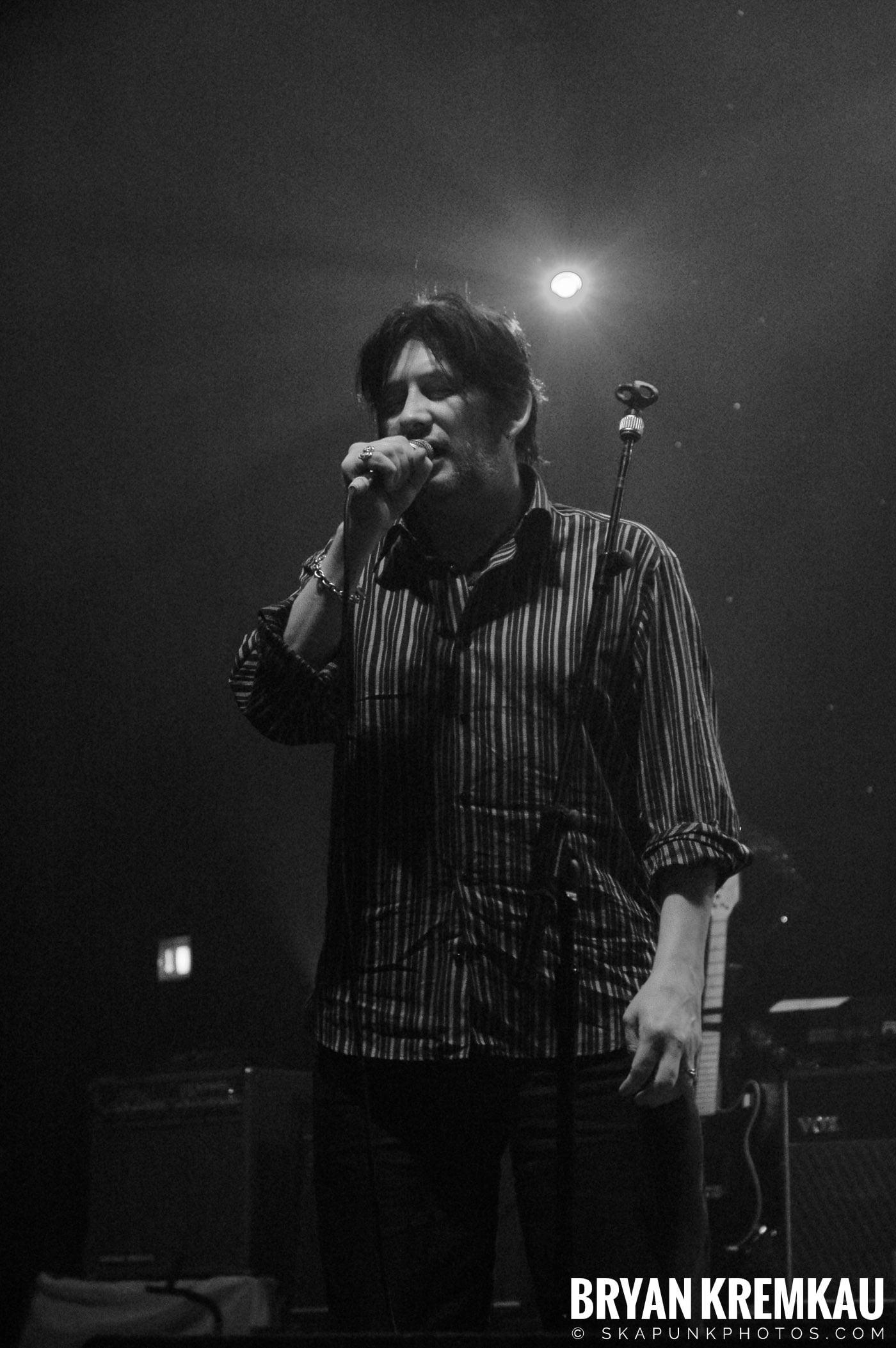 The Pogues @ Brixton Academy, London UK - 12.19.05 (6)