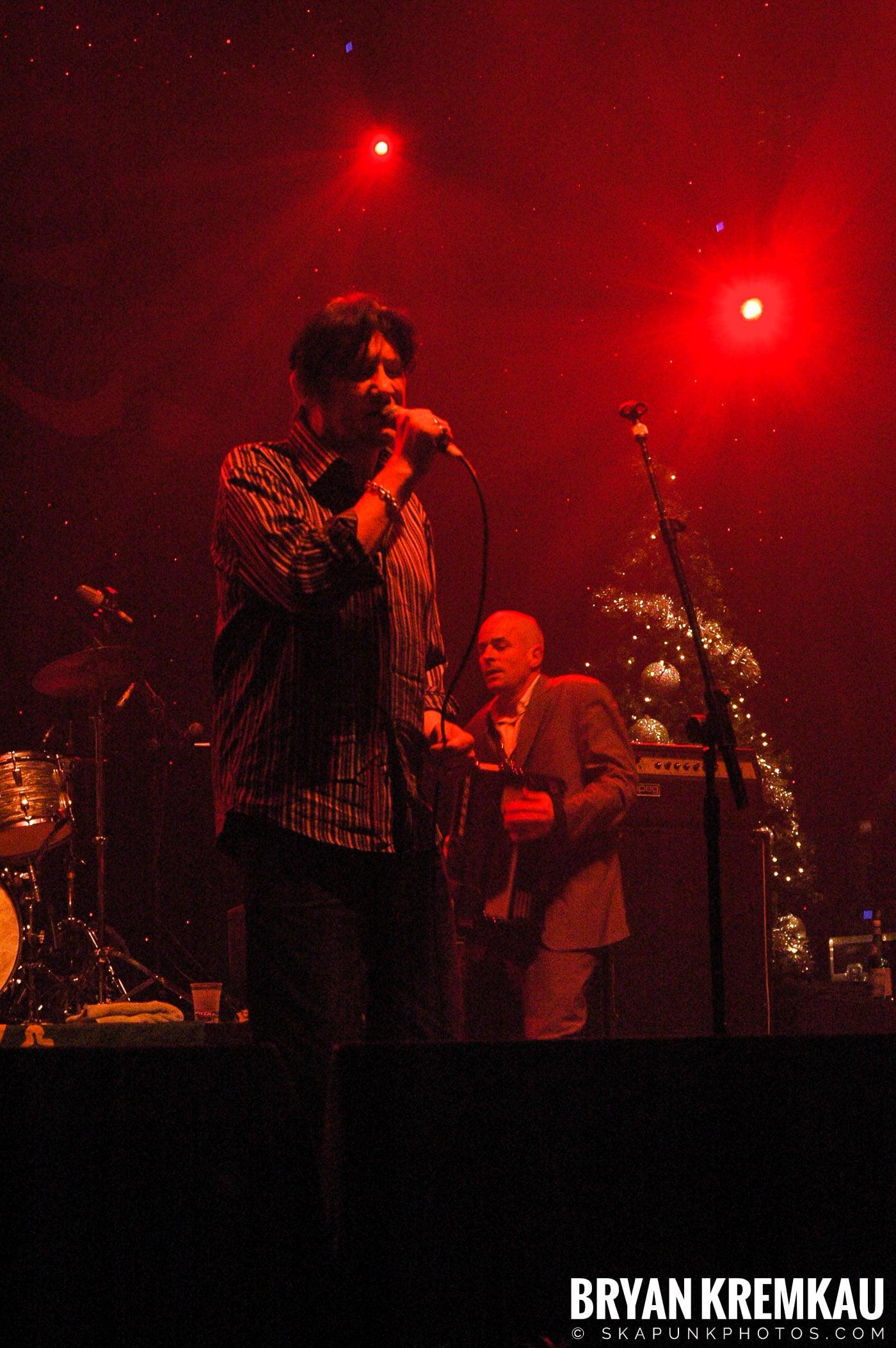The Pogues @ Brixton Academy, London UK - 12.19.05 (4)
