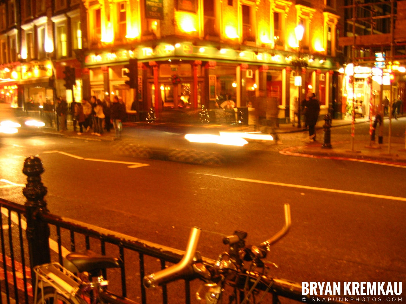 London, England - Day 1 - 12.16.05 (10)