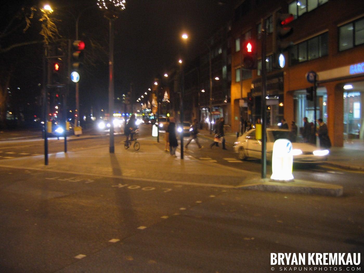London, England - Day 1 - 12.16.05 (7)